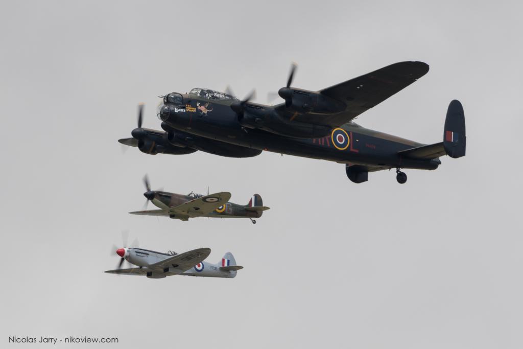 Lancaster + Spitfire - RAF Battle of Britain Memorial Flight